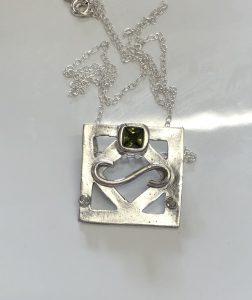 square design pendant, Stone setting in silver clay, cz fireable stones, deign silver jewellery, make silver jewellery, www.lrsilverjewellery.co.uk